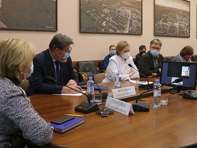 Обнинские депутаты передали КБ №8 оборудование для работы специалистов телефонной линии