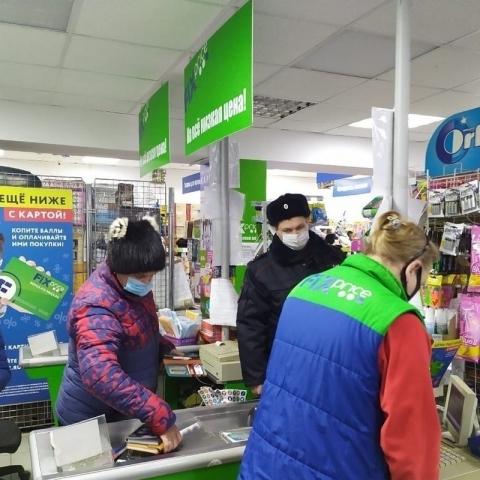 В Обнинске продолжают проверять соблюдение масочного режима на предприятиях потребительского рынка