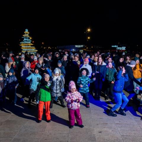 Веселыми квестами, спортивными забавами и яркими пиротехническими шоу отметили студенты Орехово-Зуевского округа свой праздник