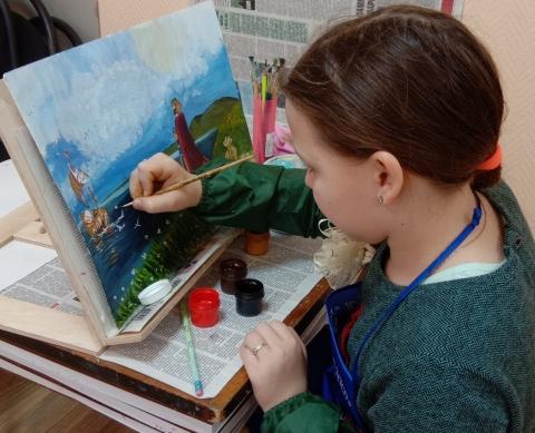Работы юных художников из Озёр высоко оценили