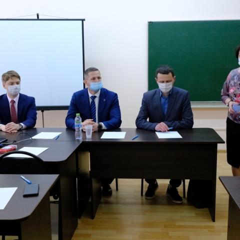 Пущинские выпускники получили возможность стать студентами медицинского факультета в МГОУ