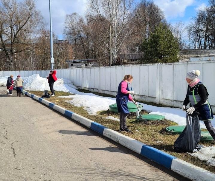 Чистый город — забота каждого: жители округа присоединились к первому субботнику этой весны