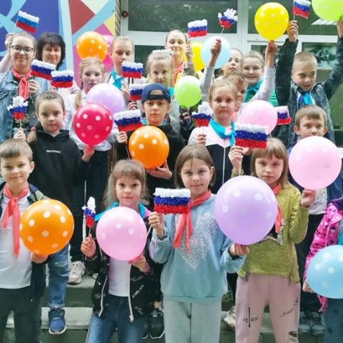 Ступинские дети стали участниками флешмоба ко Дню России