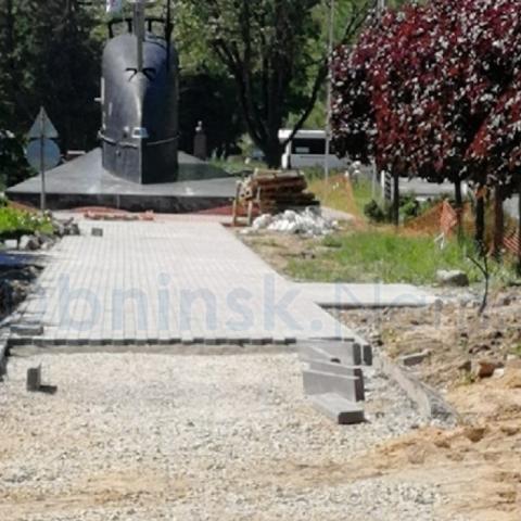 В сквере за подлодкой продолжается ремонт в рамках федеральной программы «Комфортная городская среда».