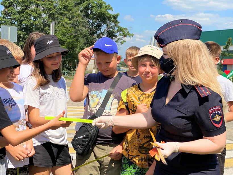Пешая экскурсия по безопасному маршруту прошла для школьников в деревне Савинская
