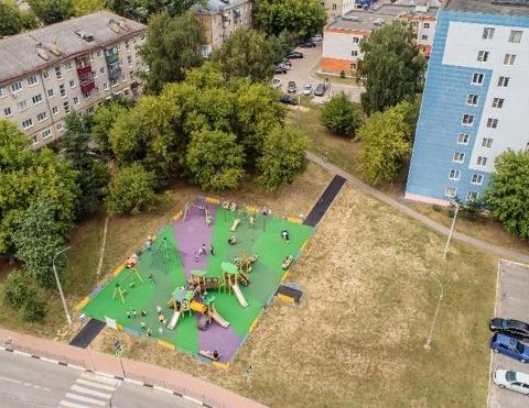Красивый двор, удобная площадка: где в округе обновили придомовые территории, а где еще идут работы